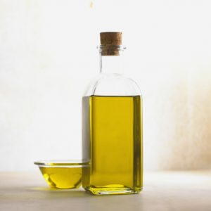 olive oil in bottle and bowl