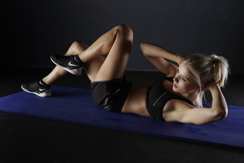 woman performing situps